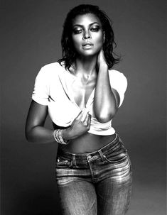 Taraji P. Henson SEXES Up W Magazine's August 2015 Issue Taraji P. Henson Is One Tough Cookie Empire's queen takes the TV throne. Photography by Mert Alas and Marcus Piggott Styled by Edward Enninful. Black Is Beautiful, Beautiful People, Beautiful Women, Sexy Women, Black Women, Serie Empire, Alas Marcus Piggott, Taraji P Henson, Actrices Sexy