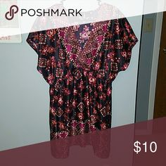 Tunic This top is so beautiful. Would look nice with leggings, or tights. new directions Tops Tunics
