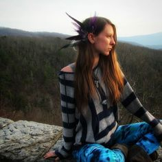 On the blueridge taking everything in. Conquering Peace. Wearing the new divine peacock earcuff. :) #earcuff #earrings #boho #bohostyle #bohochic #ootd #peacock #bohemian #gypsy #gypsysoul #tiedye #tyedye #hippie #hippiestyle #highsociety #hightimes #adventure #outdoors #mountainclimbing #hiking #blueridgeparkway #northcarolina #elevated #meditate #liveauthentic  #peace #serenity #relax #shophandmade #etsy
