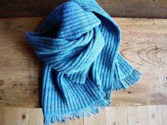 手紡ぎ、手編みマフラー Hand spun and knit work Hobbies And Crafts, Wool, Fashion, Moda, Fashion Styles, Fashion Illustrations