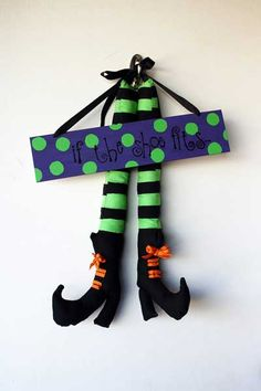 patas de brujas halloween Manualidades de brujas
