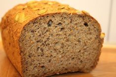 Hjemmelaget lavkarbo brød (beste jeg har smakt) (Charlottes verden- Forlovet og Lykkelig) Diabetic Recipes For Dinner, Good Healthy Recipes, Low Carb Recipes, Low Carb Bread, Low Carb Keto, Norwegian Food, Healthy Cake, Foods With Gluten, Bread Baking