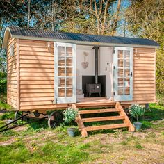 shed - shepherd's hut Tiny House Cabin, Tiny House Living, Tiny House Design, Tiny House On Wheels, My House, House Inside, Full House, Blackdown Shepherd Huts, Shepherds Hut