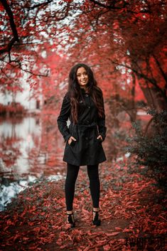 Denise im Schlosspark | TWINFOTO Herbst, Laub, Leaves, Autumn, rot, red, Portrait