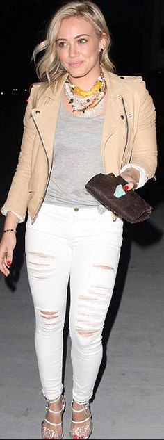 Who made  Hillary Duff's gold jewelry, nude leather jacket, sandals, and white ripped jeans?
