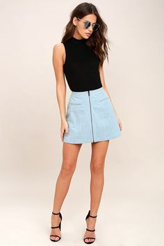 What a wonderful day you'll have in the Zippity Doo Dah Blue Chambray Mini Skirt! This adorable chambray mini skirt features a high-waisted fit, A-line silhouette, and gunmetal zipper framed by front welted pockets.