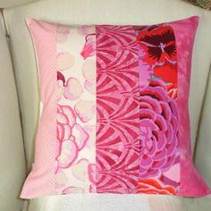 """Housse de coussin """"printemps en fleurs"""" fuchsia, rose, blanc"""