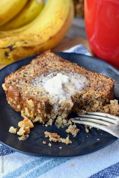 Starbucks Copycat Banana Nut Bread Banana bread is one of my all time favorites! This recipe is moist, and loaded with banana sweetness and topped off with crunchy walnuts. Banana Walnut Bread, Banana Bread Muffins, Gluten Free Banana Bread, Make Banana Bread, Banana Nut, Banana Bread Recipes, Fruit Recipes, Sweet Recipes, Dessert Recipes