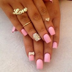 Don't worry if you are a beginner and have no idea about the nail designs. These pink nail art designs for beginners will help you get ready for your date Gem Nail Designs, New Nail Art Design, Simple Nail Designs, Acrylic Nail Designs, Pretty Designs, Gem Nails, Bling Nails, Stiletto Nails, Hair And Nails
