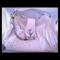 AUTHENTIC Bally cruise edition leather handbag AUTHENTIC vintage Bally cruise edition handbag in soft ivory Italian leather with metal detail and chain. Front pocket as well as inside pocket and compartments. Light marks from normal wear. Bally Bags
