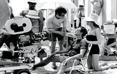 Roy Scheider in gesprek met Steven Spielberg op de set van #Jaws