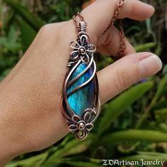 Counmeenoule: blue labradorite crystal statement talisman image 4