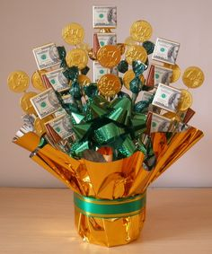 Money Candy Bouquet tutorial http://ediblecraftsonline.com/candy_bouquets/cb39/index.htm