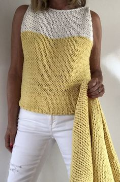 ideas for crochet cardigan sleeveless yarns Knit Cardigan Pattern, Jacket Pattern, Crochet Cardigan, Knit Crochet, Hand Knitting, Knitting Patterns, Knit Leg Warmers, Knit Jacket, Casual Outfits