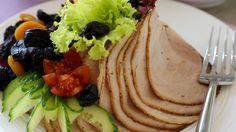 MatPrat - Skinkestek til koldtbord Pork Recipes, Tapas, Buffet, Food And Drink, Mexican, Breakfast, Ethnic Recipes, Morning Coffee