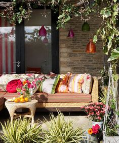 Sunny Delight   From porches to patios, transform your outdoor space with smart decorating tricks.