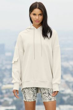 alo Oversized boyfriend bone hoodie with snakeskin bike shorts #workout #workingfromhome Hooded Jacket, Bomber Jacket, Wear Test, Woman Back, Home Outfit, Shopper Tote, Off Duty, Bra Tops, Perfect Fit