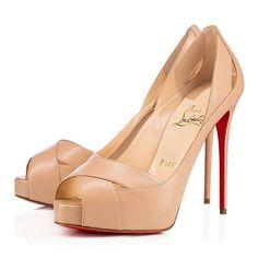 Louboutin #louboutinheels #heels #glamour #highheels #wedges #instashoes #sandals  #sandal #pumps #shoestagram #shoeaddict #shoelover #stiletto #stilettos #heel #shoelove #wedge #shoeselfie #instafashion #fashionista #luxe