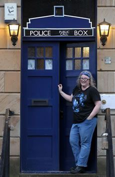 Glasgow Doctor Who fan turns her city house into a tardis