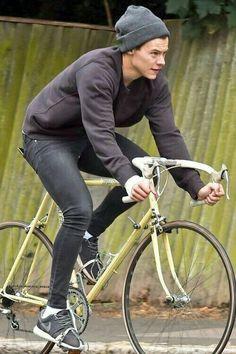 Harry's Cycling Club 🚲