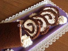 Il rotolo al cacao con crema al latte è un dolce semplice da realizzare, con pasta biscotto al cacao. Un dolce goloso da preparare anche con largo anticipo.