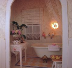 Shabby Chic ~If I had this bathroom I would never get out of the tub! Shabby Chic Cottage, Shabby Chic Style, Shabby Chic Decor, Cottage Style, Miniature Dollhouse Furniture, Miniature Rooms, Dollhouse Ideas, Dollhouse Interiors, Dollhouse Miniatures