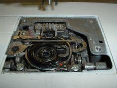 how to fix bobbin case in singer sewing machine
