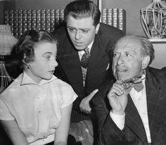 Richard Attenborough-val és Martin Miller-szel a londoni Vaudeville Színházban, Sweet Madness színpadi produkcióban.