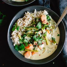 Creamy Thai green curry with lots of spring vegetables! #Vegan and #glutenfree.