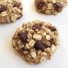 Ces biscuits avoine et amande sont moelleux et gourmands, parfaits pour le goûter ! Et vous n'avez besoin que de 20 minutes pour les faire !