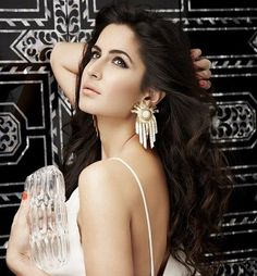 Katrina Kaif is a British Indian actress and former model. She had appeared in Indian films, Telugu films and Malayalam films. Katrina Kaif will be seen in upcoming film Dhoom 3. She is July 16, 1983 born, in Hong Kong, China. So on her birthday we are here with Katrina Kaif Latest Photos and Latest Katrina Kaif Pictures.