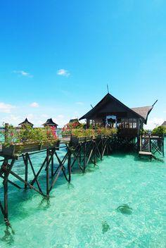 Kapalai Island, Semporna, Sabah, MALAYSIA    (via Flickr. )