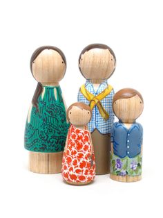 Personalized Custom Family Portrait of 4 // Mothers Day Gift Ideas // Hand-Painted Wooden Peg Dolls - Heirloom Wooden Toy Family portrait