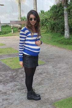 Nanda Pezzi - Look do dia grávida: Blusa listrada, saia preta e coturno - 20 semanas