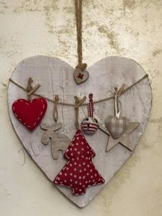 Christmas Makes, Christmas Toys, Rustic Christmas, Christmas Projects, Simple Christmas, Christmas Holidays, Christmas Ornaments, Valentine Day Crafts, Holiday Crafts