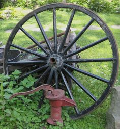 Wagon Wheel Photo by Sam Williams