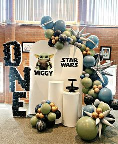 Kids Party Decorations, Balloon Decorations, Party Themes, 5th Birthday Party Ideas, Baby Boy 1st Birthday, Star Wars Birthday, Star Wars Party, Baloon Garland, 3 D