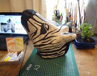 DIY no-kill taxidermy, made with wire and paper mache. Awesome end result, but I'm not sure I want it bad enough to futz around with the chicken wire. Diy Upcycled Decor, Zebra Mask, Home Crafts, Diy Crafts, Sculpture Lessons, 3d Craft, Craft Ideas, Faux Taxidermy, Paper Strips