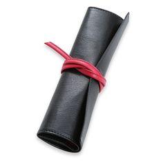 GLOBE DESIGN/メガネケース ブラック 5985yen 形もサイズも千差万別のメガネ&サングラスを一枚革でカバー