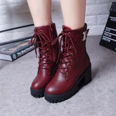 heel martin boots YV7041