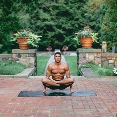 Pin for Later: These Hot Yogis Will Inspire You to Get on the Mat ASAP Let's Get Lifted