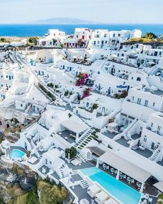 Santorini, Greece Photography by @danicaspi #TheGlobeWanderer