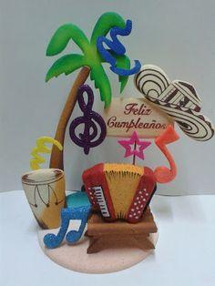 Arreglo en icopor como centro de mesa o decoración de torta para fiesta temática colombiana. #FiestaTematicaColombiana