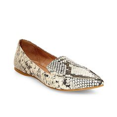 4efdbca08aa 11 Pointed-Toe Flats for Daytime Polish