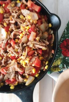 Quick and easy recipe for a delicious Chilean Tomatican: Corn, Tomato, and Beef Sautéed Dish. Traditional recipe from Chile. Chilean Recipes, Chilean Food, Beef Recipes, Cooking Recipes, Latin American Food, Latin Food, Houston Food, Gluten Free Rice, Summer Dishes