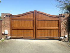 Wood Fence Gates, Fence Gate Design, Garden Gates And Fencing, Timber Gates, House Gate Design, Privacy Fence Designs, Wooden Gates, Stone Driveway, Driveway Gate