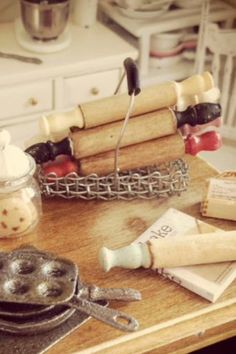 I made mini rolling pins :) #dollhouse miniatures
