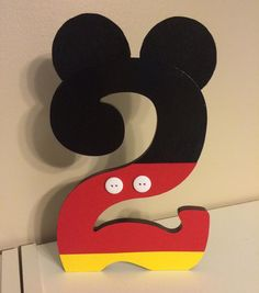 Custom Decorated Wooden Number Letter Mickey por NiftyNancy23