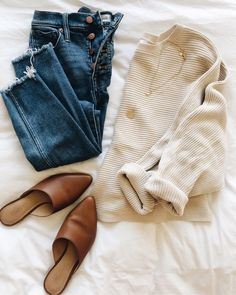 Winter Fashion Trends 2020 for Casual Outfits Fall Winter Outfits, Autumn Winter Fashion, Spring Outfits, Winter Clothes, Winter Holiday, Cold Spring Outfit, Early Fall Outfits, Winter Sweater Outfits, Simple Fall Outfits