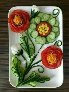 The purpose of this page is to provide comfortable - Food Carving Ideas Veggie Platters, Veggie Tray, Salad Design, Food Design, Food Crafts, Diy Food, Creative Food Art, Food Carving, Vegetable Carving